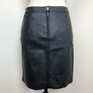 H&M faux leather skirt size 6